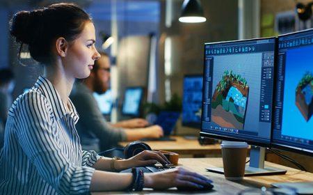 woman game developer
